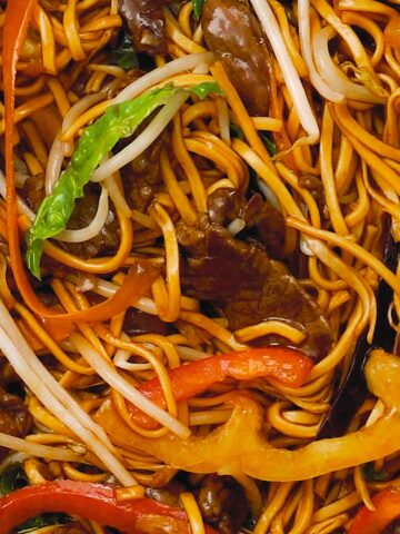 Top down angle view of steak chow mein noodle.