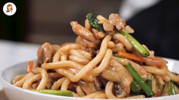 Stir Fried Udon Noodle ( Yaki Udon )
